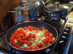 Patelnie elektryczne gastronomiczne: co oferują producenci?