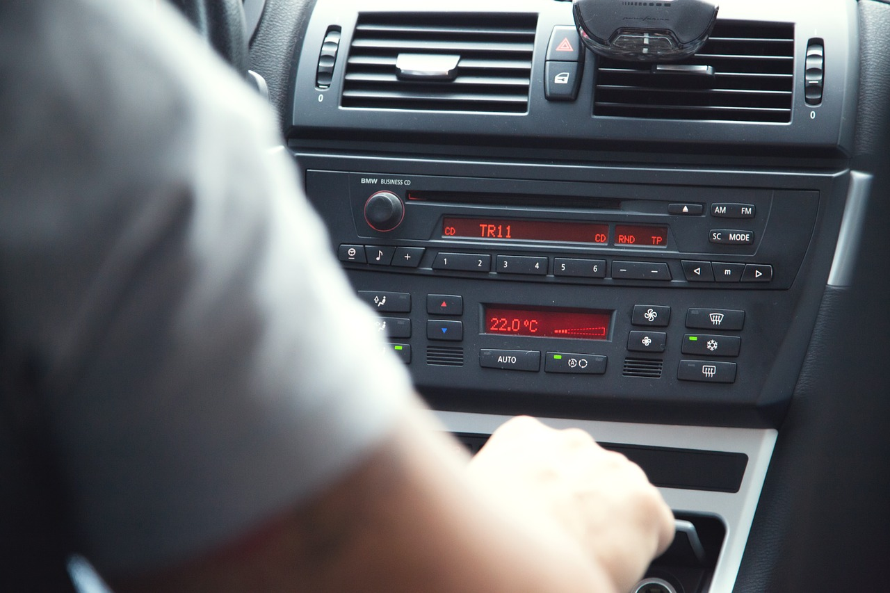 Dlaczego warto korzystać z wynajętego samochodu?